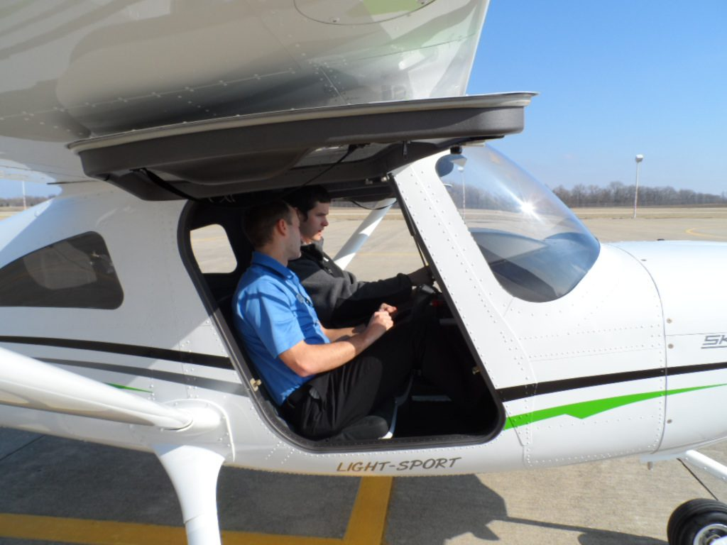 choose a flight school